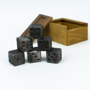 Kované hrací kostky